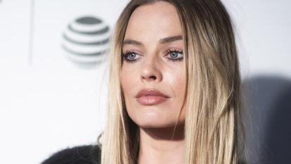 Margot Robbie rushes home after death of beloved 'Narnie'