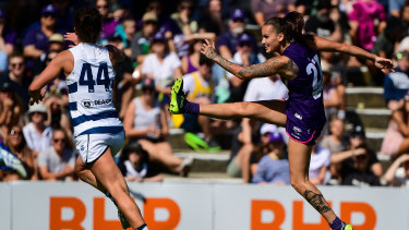 Surging forward: Gemma Houghton in action for Fremantle.