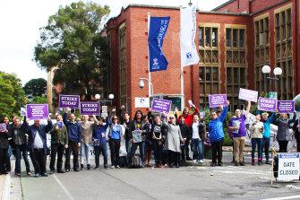 Melbourne University staff strike on campus in 2013.