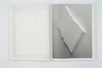 The White Book (Roma 37, 2002) is a self-reflexive exploration of the object.