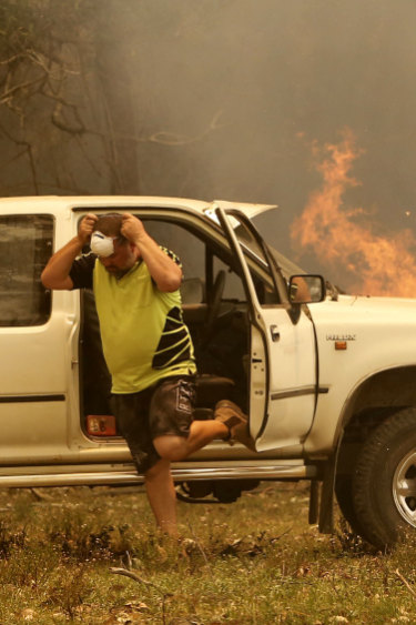'Complacency kills': 10 bushfires across NSW now at emergency levels