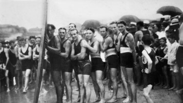 Duke Kahanamoku, pictured left, surfed at Cronulla in 1915.