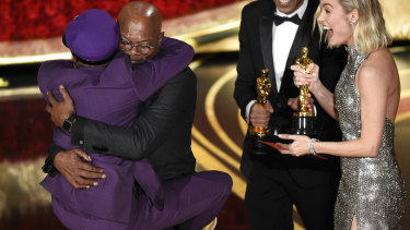 Spike Lee embraced Samuel L. Jackson as he won his first Oscar award.