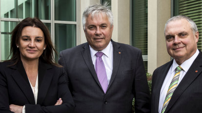 Crossbench still waiting for government talks on federal anti-corruption body