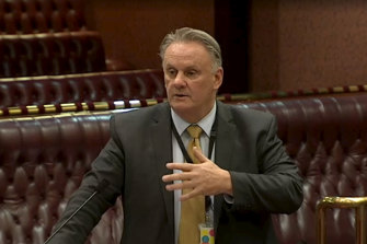 One Nation leader Mark Latham moved to block the renewable energy bill.