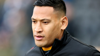 Israel Folau stood while his team took a knee – and that's OK