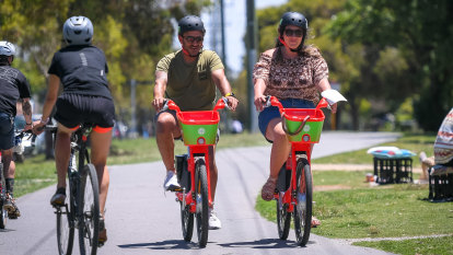 Lime jumps on Uber's bike in bid to end bumpy road for bike share in Melbourne