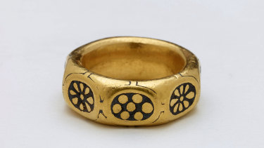 A gold ring from the ninth century which was part of the Viking hoard metal detectorists George Powell and Layton Davies have been convicted of stealing.