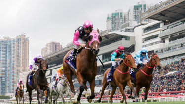 Beauty Generation wins the Silver Jubilee Cup with Zac Purton aboard at Sha Tin in February.