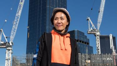 Kelly Ngu is a hoist operator.