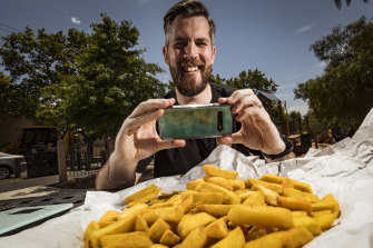 Brandon Gatgens is measuring minimum chips at takeaway shops across Melbourne, for science of course.