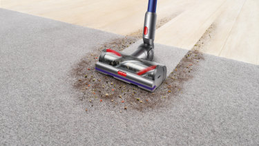 The new 'high torque' head adjusts its power depending on the type of floor it's on.