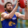 Eagles, Dockers sweat as injuries keep big-name stars off the track