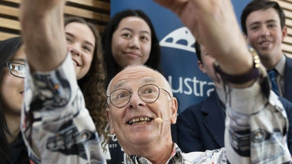 The science of the selfie: Dr Karl lands in Canberra