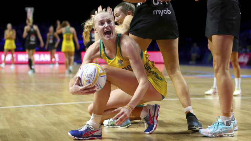 Folau's late miss hands Diamonds a thrilling World Cup win