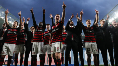 Late penalty ensures happy homecoming for Wanderers