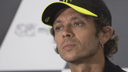 Rossi re-signs with Petronas Yamaha