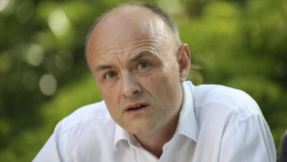 Dominic Cummings refuses to apologise for 400km lockdown trip