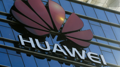 White House drafts order that would ban Chinese company Huawei from US