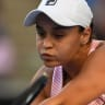 Barty sweeps through first round in straight sets