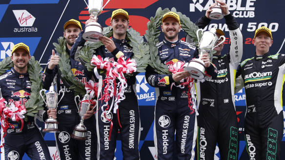 Supercars: Whincup, Dumbrell lead Triple treat in Sandown 500