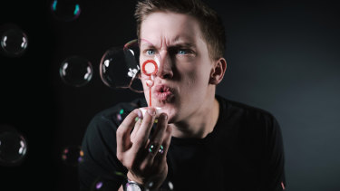 Daniel Sloss turns his brutal comedic powers on the selfish and opportunistic.