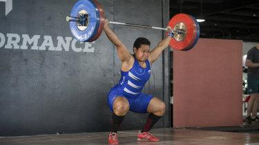 Medal hope Cikamatana breaks three world records
