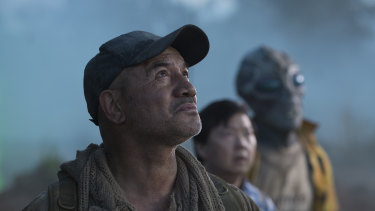 Temuera Morrison (left), Ken Jeong and Garry The Alien (Lawrence Makoare) in Occupation: Rainfall.