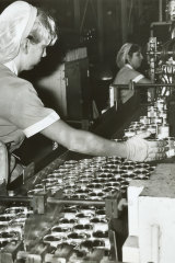 Baby food is labelled at the Heinz Dandenong factory in 1969.