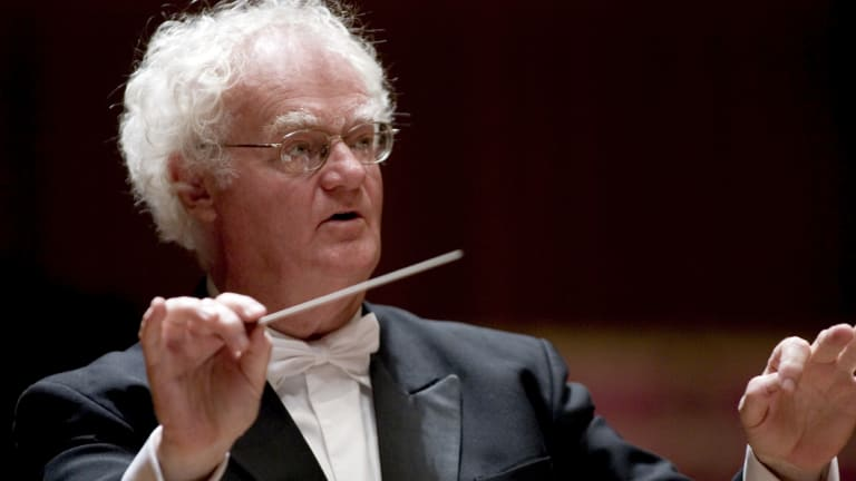 Richard Gill conducts Melbourne Symphone Orchestra.