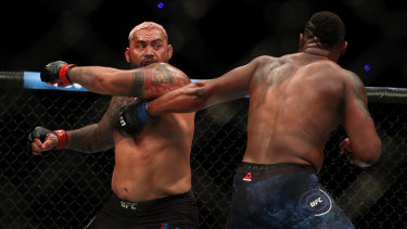 """He was the better man"": Hunt and American Curtis Blaydes trade blows."