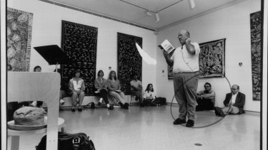 Les Murray reads from his new book at the Museum of Contempory Art in 1993.