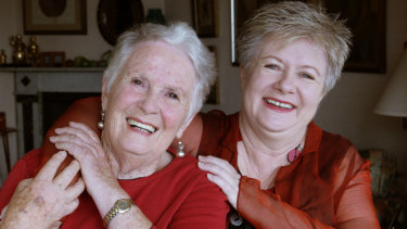 Peas in a bod: Margaret Fulton and her daughter Suzanne Gibbs in 2007.