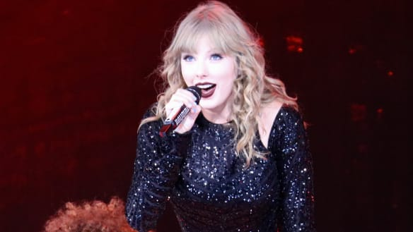 Taylor Swift signs surprise new record deal with 'one condition'