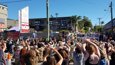 Protesters have vowed to stage a larger demonstration blocking the Story Bridge in three weeks if the men are not allowed day leave from the hotel.