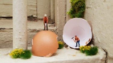 Melbourne artist Liz Sonntag builds miniature worlds in unexpected places.