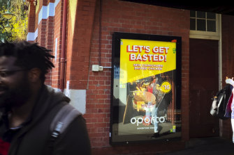 An Oporto chicken ad at Glenferrie station.