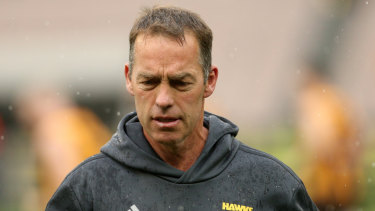 Hawks coach Alastair Clarkson is expecting a strong response from Collingwood, who were upset by the Roos last weekend.