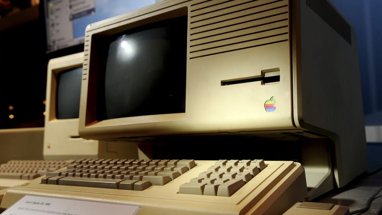 Jobs told Lisa the Apple Lisa computer was not named after her.