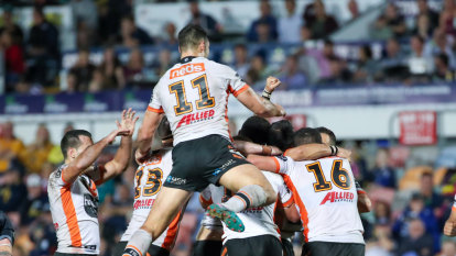 Benji's wonky field goal pulls game out of the fire for Tigers