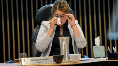 Casey council sacked for four years as watchdog finds bullying, 'unacceptable behaviour'