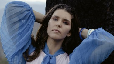 Singer Fanny Lumsden, who once Googled, 'how to start a record label', has cracked the top 10 with new album Fallow.
