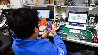 Apple to sell genuine iPhone parts to independent repairers, with some caveats