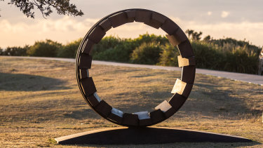 Coming to Casula: Tetsuro Yamasaki's Circle Door to the Future.