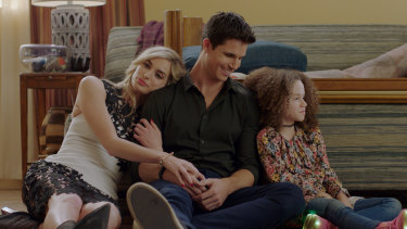 Allegra Edwards, Robbie Amell and Chloe Edwards in Upload.