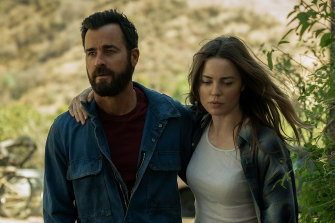 Justin Theroux, who is the nephew of author Paul Theroux, and Melissa George in The Mosquito Coast