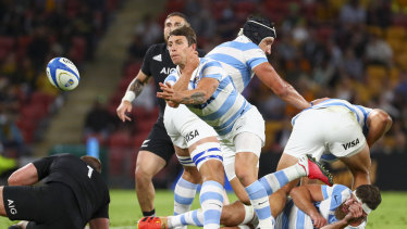 The Pumas are struggling to stay with the All Blacks.