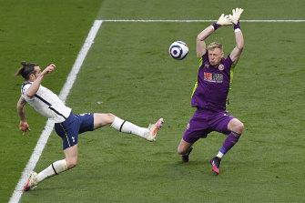 Gareth Bale scores Spurs' opener.