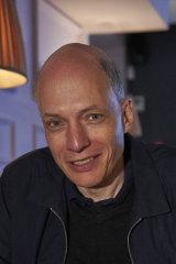 Alain de Botton: Don't come the raw prawn.