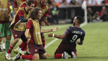Arsenal celebrate Alexandre Lacazette's goal.